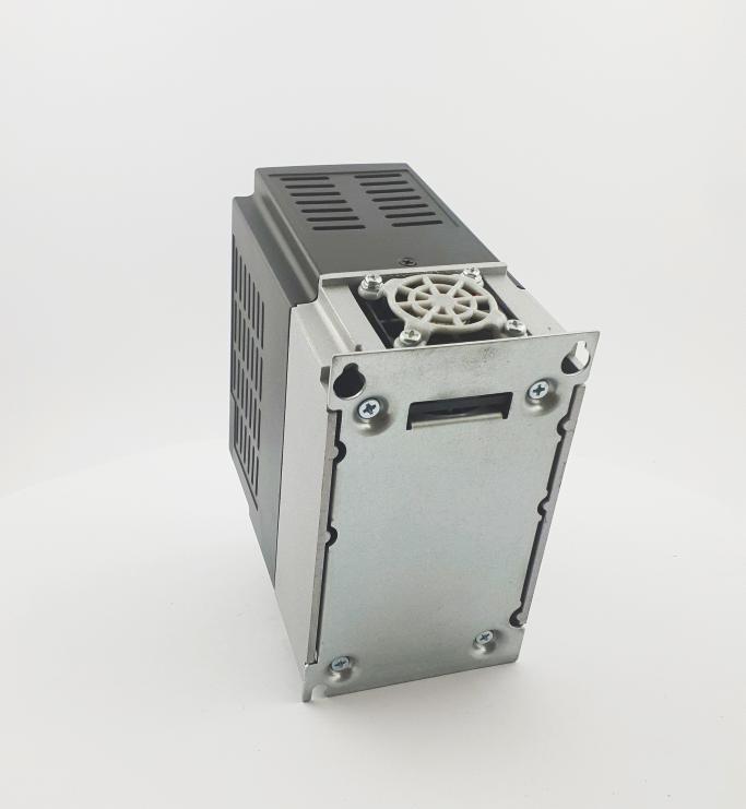 HF E800 E810 0015T3E1U1F2AE03B1R3 3F 400V 15kW 0012 20210319 123408.jpg