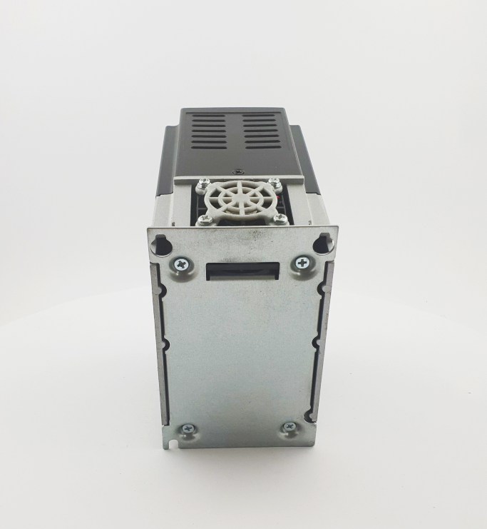 HF E800 E810 0015T3E1U1F2AE03B1R3 3F 400V 15kW 0013 20210319 123410.jpg
