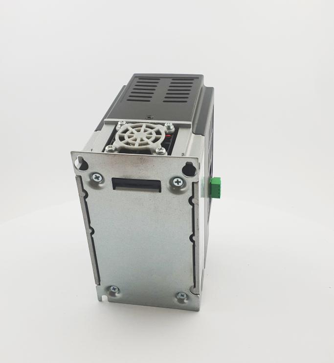 HF E800 E810 0015T3E1U1F2AE03B1R3 3F 400V 15kW 0014 20210319 123411.jpg