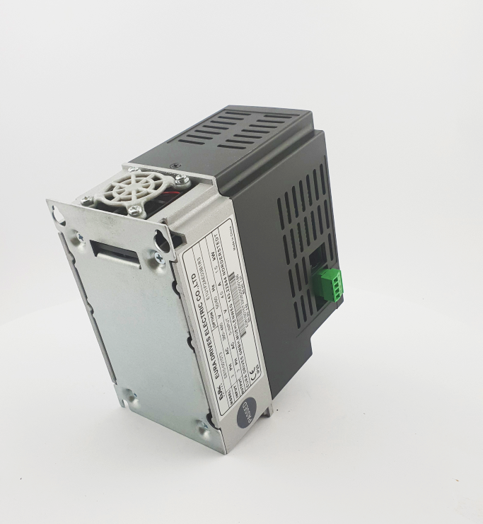 HF E800 E810 0015T3E1U1F2AE03B1R3 3F 400V 15kW 0016 20210319 123414.jpg