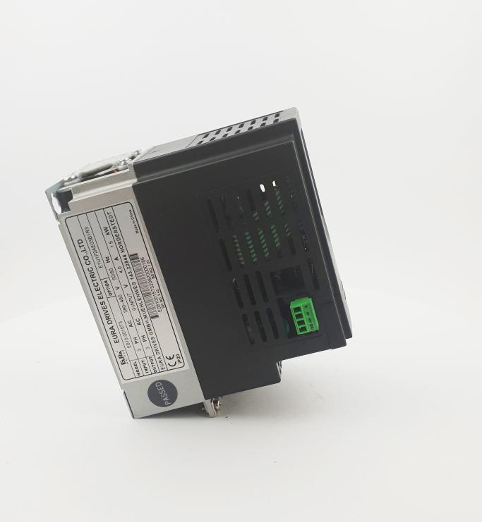 HF E800 E810 0015T3E1U1F2AE03B1R3 3F 400V 15kW 0020 20210319 123419.jpg