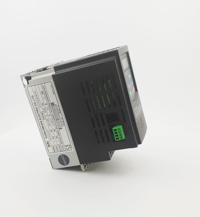 HF E800 E810 0015T3E1U1F2AE03B1R3 3F 400V 15kW 0021 20210319 123421.jpg