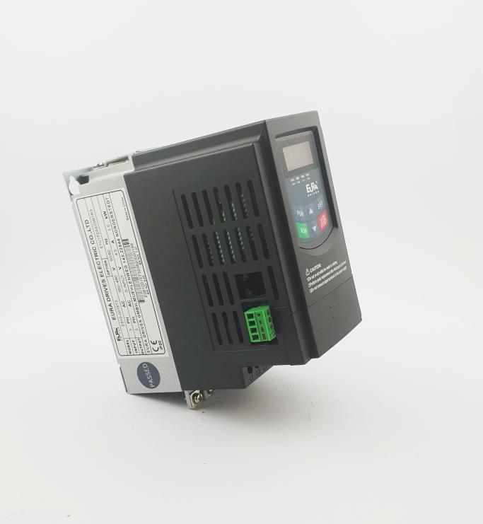 HF E800 E810 0015T3E1U1F2AE03B1R3 3F 400V 15kW 0022 20210319 123423.jpg