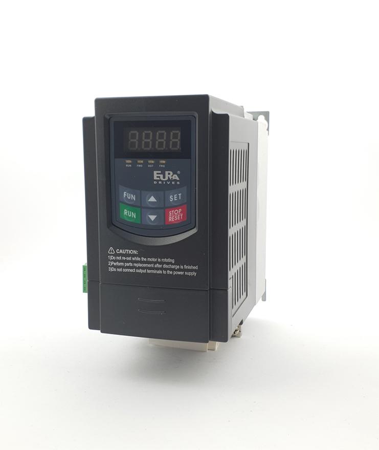 LS E810 0007S2E1U1F2AE03R3 1 F 230V 075 kW 0002 20210312 113318.jpg