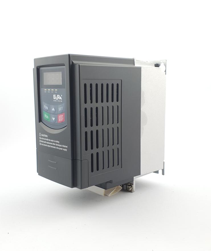LS E810 0007S2E1U1F2AE03R3 1 F 230V 075 kW 0004 20210312 113323.jpg