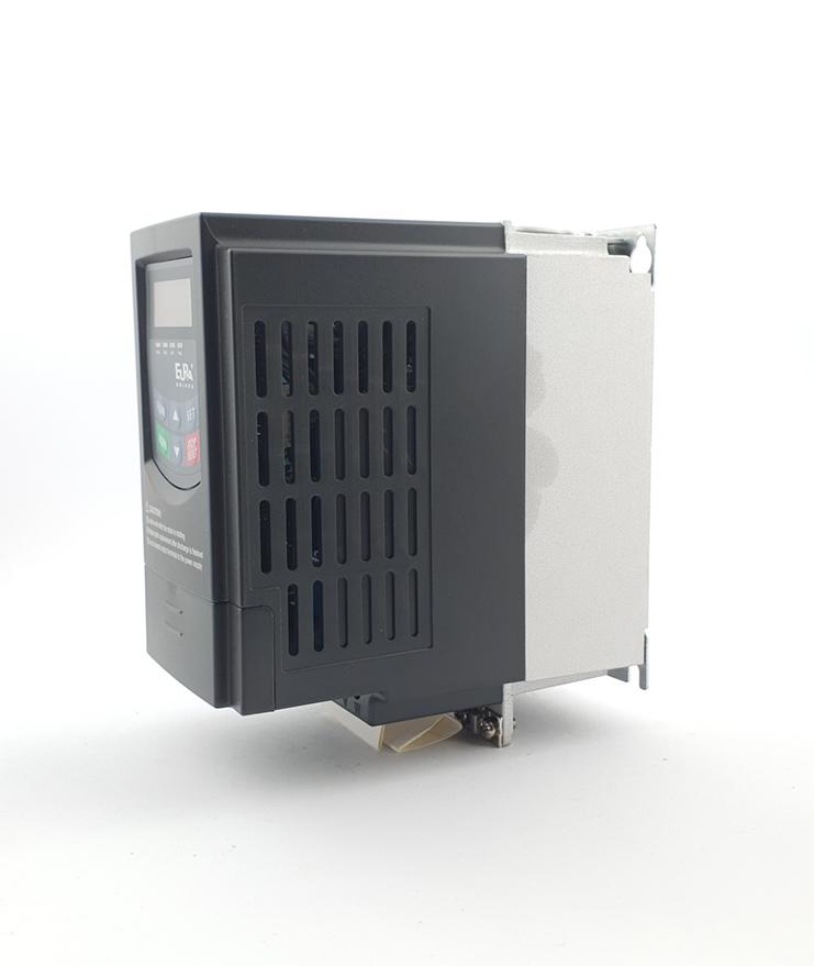 LS E810 0007S2E1U1F2AE03R3 1 F 230V 075 kW 0005 20210312 113325.jpg
