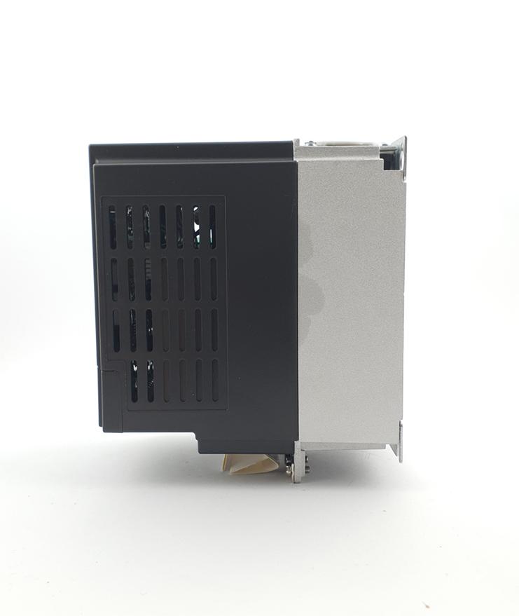 LS E810 0007S2E1U1F2AE03R3 1 F 230V 075 kW 0007 20210312 113331.jpg