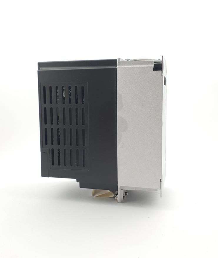 LS E810 0007S2E1U1F2AE03R3 1 F 230V 075 kW 0008 20210312 113333.jpg