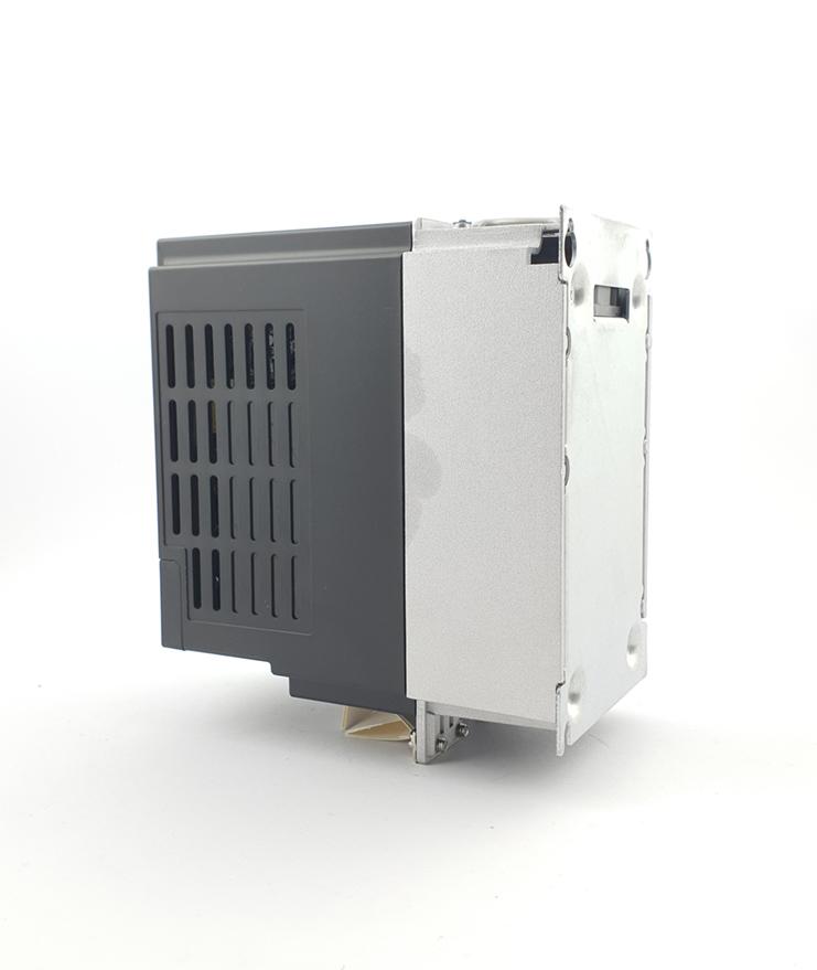 LS E810 0007S2E1U1F2AE03R3 1 F 230V 075 kW 0009 20210312 113335.jpg