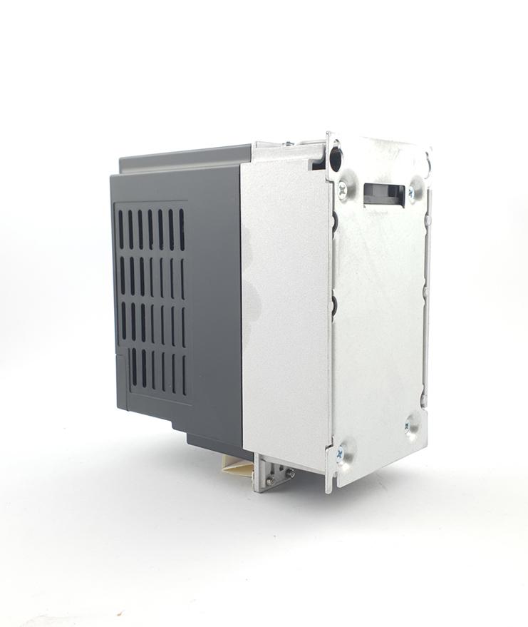 LS E810 0007S2E1U1F2AE03R3 1 F 230V 075 kW 0010 20210312 113338.jpg
