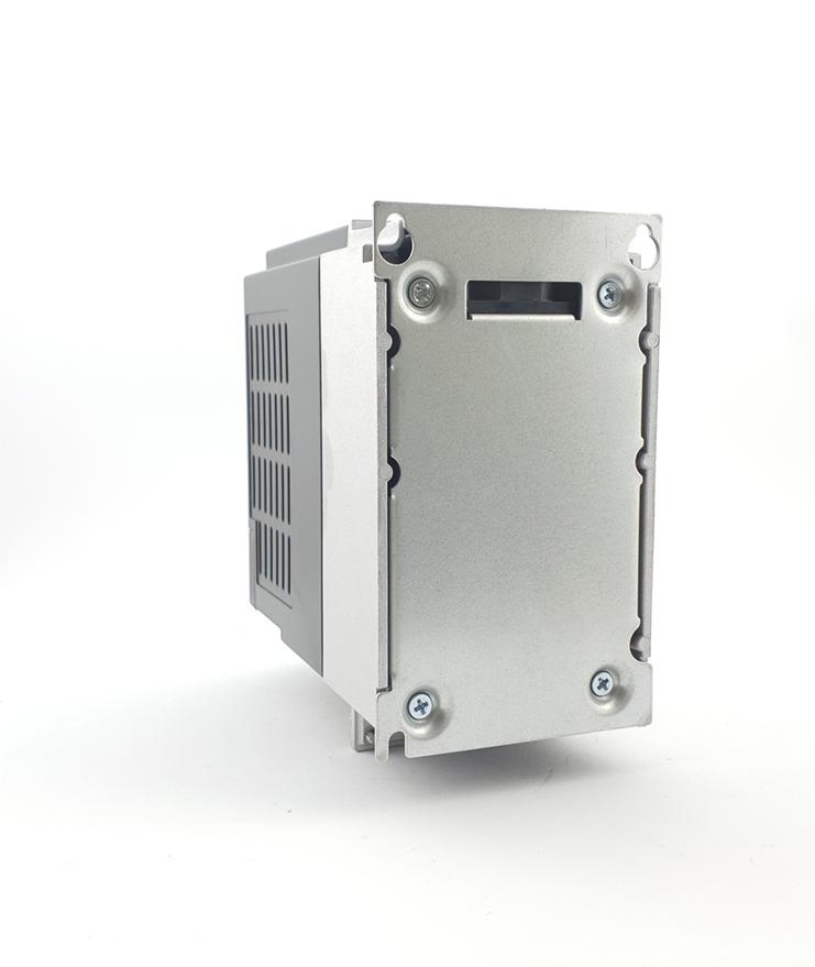 LS E810 0007S2E1U1F2AE03R3 1 F 230V 075 kW 0012 20210312 113342.jpg